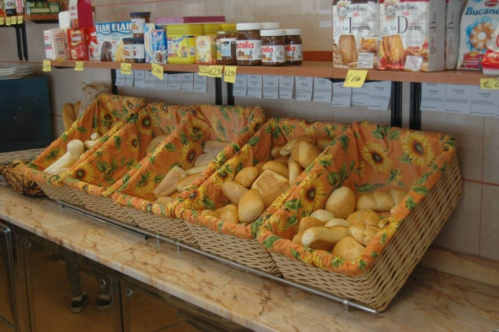 Pane in vendita